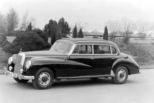 Mercedes-Benz Typ 300 c, Limousine mit verlängertem Radstand, 1956-1957