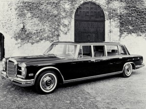 Mercedes-Benz-600_Pullman_Limousine_1964_1280x960_wallpaper_03