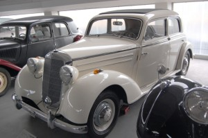 Mercedes-Benz W136 (W191) 1935-1955 (1950 170s sedan 4d) (01) [AA1]
